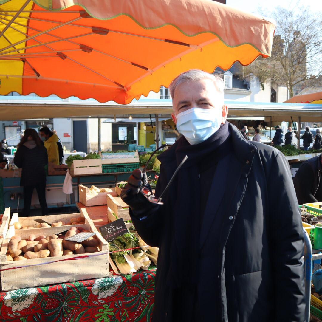 RENCONTRESur les marchés de Tours pour la Semaine de l'Agriculture paysanne