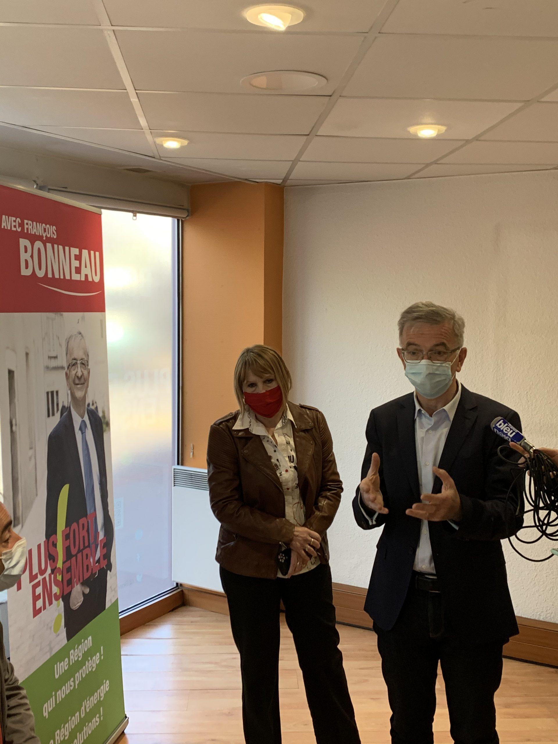 Carole Canette et Sylvie Dubois, avec François Bonneau sur la liste «Plus fort, ensemble!» dans le Loiret