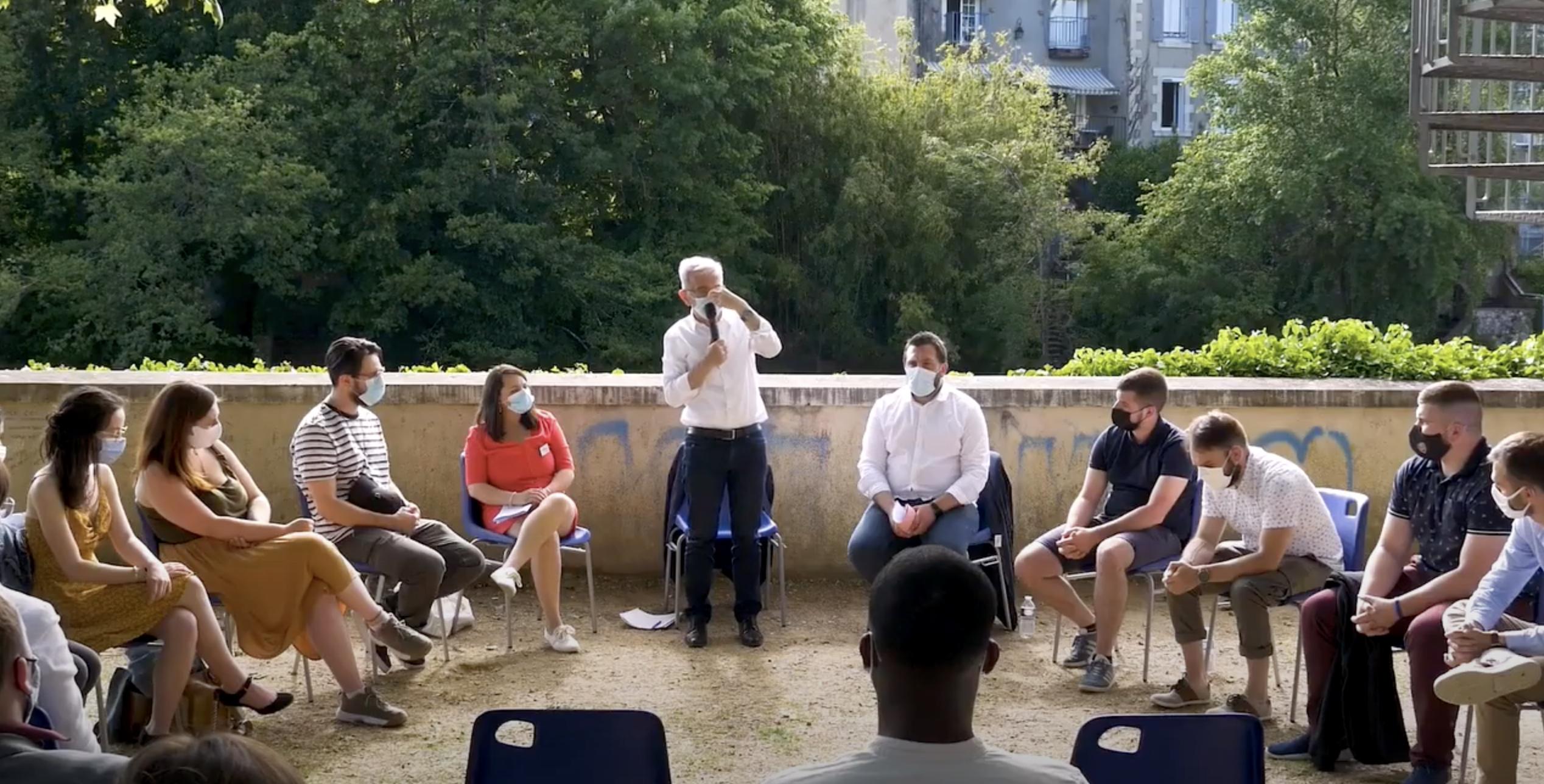 Terre de Jeunes – Une rencontre de François Bonneau avec les Jeunes de la région